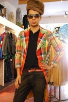 vintage coat - vintage hat - Uniqlo shirt - Jack and Jones jeans - Samsonite Bla
