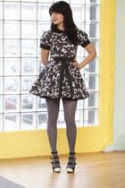 charcoal gray modcloth tights - black modcloth shoes - gray modcloth dress