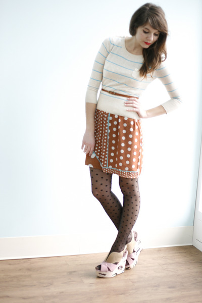 black polka dots Jukebox Tights in the Pony tights