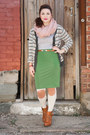 Burnt-orange-modcloth-boots-eggshell-modcloth-tights