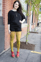 modcloth tights - modcloth shorts - modcloth top - modcloth necklace - modcloth