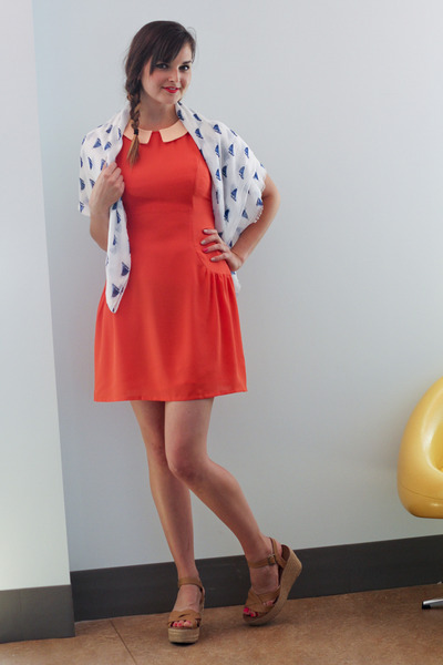 carrot orange modcloth dress - white modcloth scarf - camel modcloth wedges