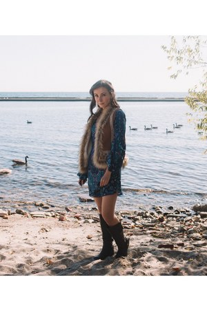 navy backless Spell Designs dress - brown faux fur threadsence vest