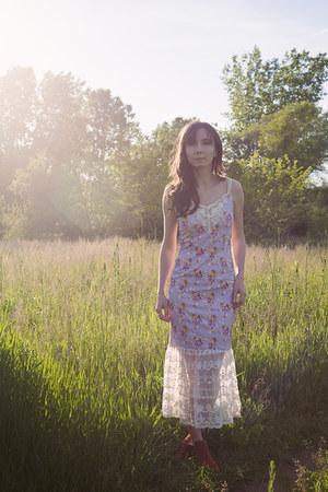 periwinkle lace dress Fridayiminlove dress