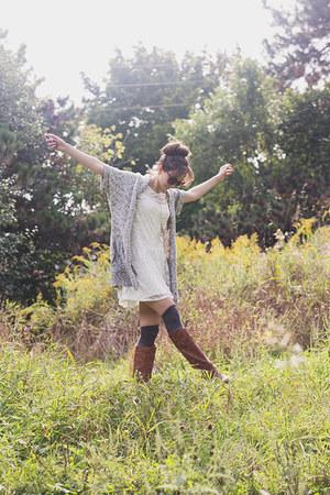 white lace unknown dress - camel loose Jana cardigan
