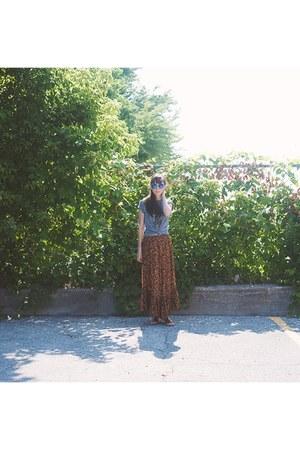 dark brown maxi skirt Spell Designs skirt - heather gray johnny cash UO shirt