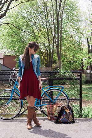 blue denim shirt Chi-qle shirt - brown riding Aldo boots