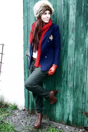 Vintage Hugo Boss blazer - vintage fur hat hat - Zara pants - Mango gloves - H&M