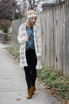 light brown Minnetonka boots - off white Forever 21 sweater