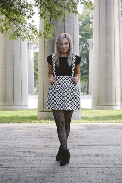 white Forever21 skirt