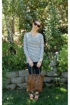 H&M top - J Brand jeans - Zara bag - Oscar de la Renta sunglasses