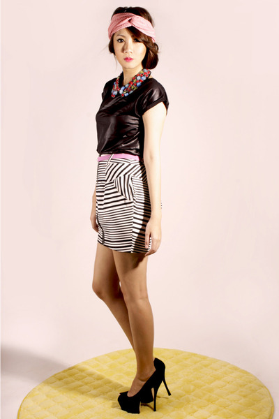 white stripe River Island skirt - bubble gum MoiMoiselle belt