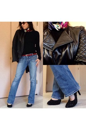 vintage jeans - black asos jacket - printed vintage scarf - black pumps