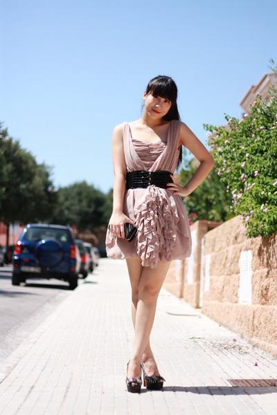 tan H&M dress - black Christian Louboutin heels