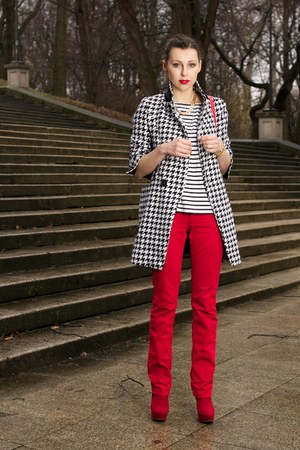 white houndstooth Sheinsidecom coat - black c&a top - ruby red Pepe Jeans pants