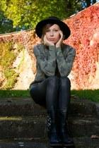 black worker Deichmann boots - black wask Zara jeans