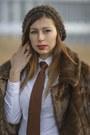 Dark-brown-faux-fur-second-hand-coat-white-zara-shirt-dark-brown-vintage-tie