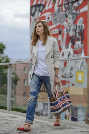 ruby red ballet flats Zara shoes - beige trench Zara coat
