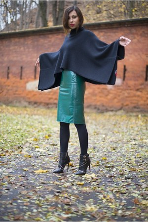 teal leather Front Row Shop skirt - black poncho Jackpot cape