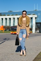 sky blue ripped second hand jeans - camel fur collar Oasapcom coat