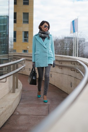 sky blue Front Row Shop coat - heather gray Zara jeans - black Wittchen bag