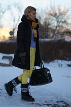 black Moon Boot boots - black Zara coat - black Puma bag