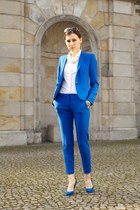 blue Zara suit - white Zara shirt - blue Zara heels