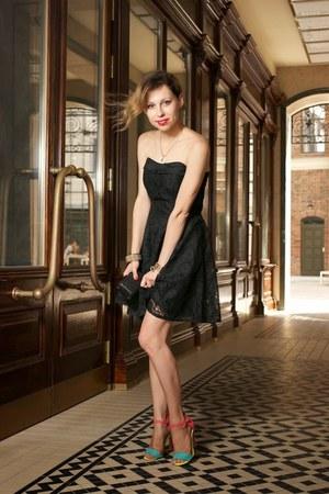black lace vintage dress - hot pink ankle strap Atmosphere sandals