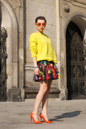 yellow oversized Zara sweater - blue no name bag - red skater H&M skirt