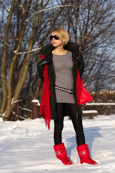 red moon boots boots - black Zara coat