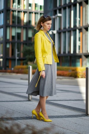 yellow leather jacket - heather gray wool Zara dress - yellow Aldo heels