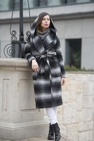 gray checkered reserved coat - black zipper Zara boots