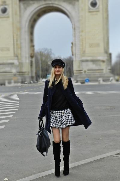 dogtooth print River Island skirt - H&M hat - New Yorker bag