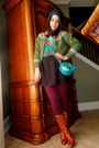 Tawny-vintage-boots-deep-purple-lululemon-leggings-teal-marc-jacobs-bag