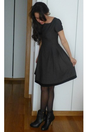 Zara boots - jo borkett dress - Calzedonia tights