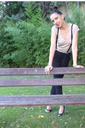 Forever 21 pants - united colors of benetton t-shirt - Aldo heels