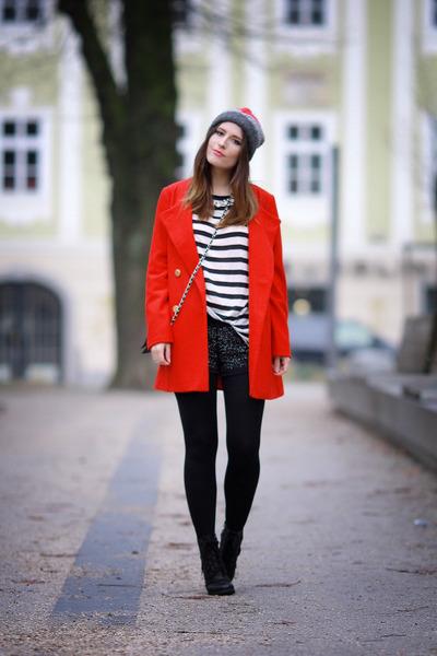 red romantic Mango coat - black leather Chicwish boots
