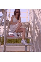 lace Zara dress - sneakers Converse shoes - Ray Ban sunglasses