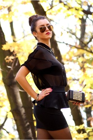 studded Forever 21 bag - Forever 21 shirt - aviator Ray Ban sunglasses