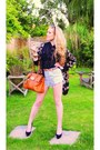 Tawny-mulberry-bag-light-blue-levis-shorts-brown-h-m-sunglasses-black-tops