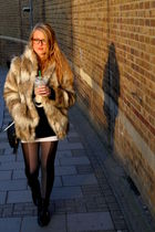 beige faux fur H&M coat - black boots  shoes - black panda Topshop sweater