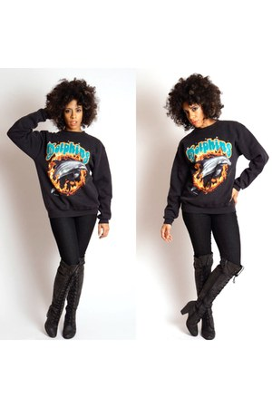 Mood Ring Boutique sweater