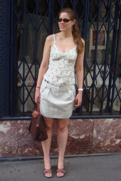 Gap top - Comptoir des Cotonniers skirt - longchamp purse