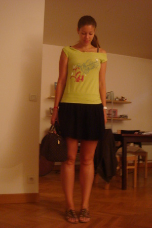 green Lady soul t-shirt - brown Les Tropeziennes shoes - black SANDRO dress