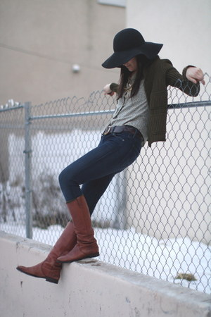 dark brown madewell boots - navy citizens of humanity jeans - dark gray madewell