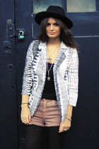 Missguided jacket - Topshop shorts