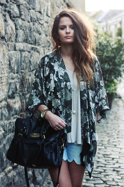 mulberry bag - diy shorts - topshop kimono cape