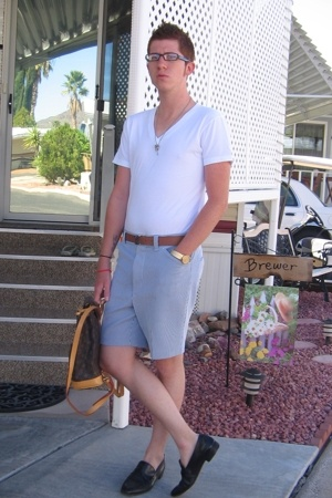 Van Heusen shirt - Vintage watch fom my grandpa accessories - talon shorts - flo