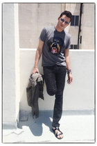 Givenchy t-shirt - ring jeans - Rick Owens jacket - Pierre Hardy sandals