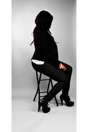 navy skinny jeans - black boots - black blazer - ivory blouse
